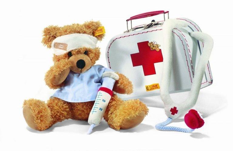 Как собрать аптечку для новорожденного: что должно входить в набор для ухода и первой помощи