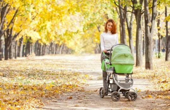 когда гулять с новорожденным