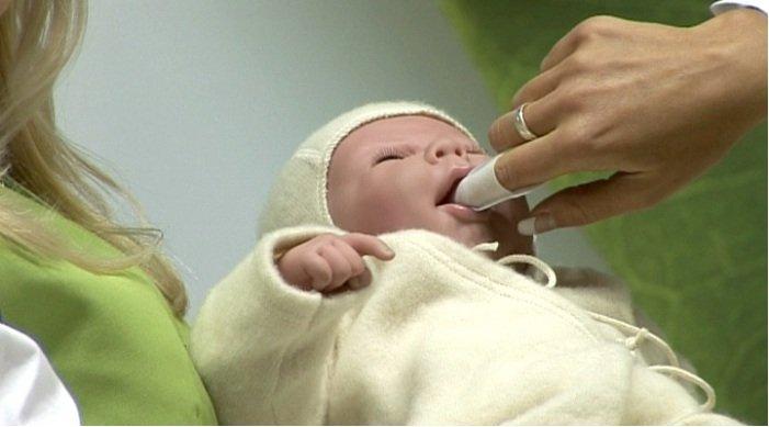 белый налет во рту у малыша