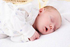 дыхание грудничка во сне