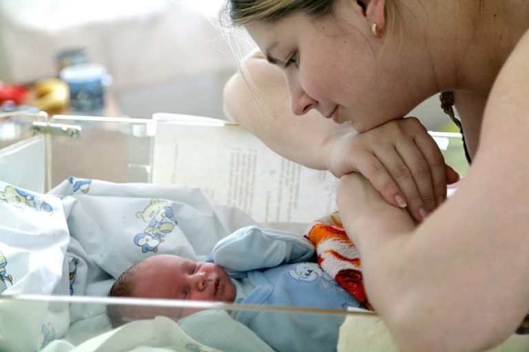 доношенный новорожденный