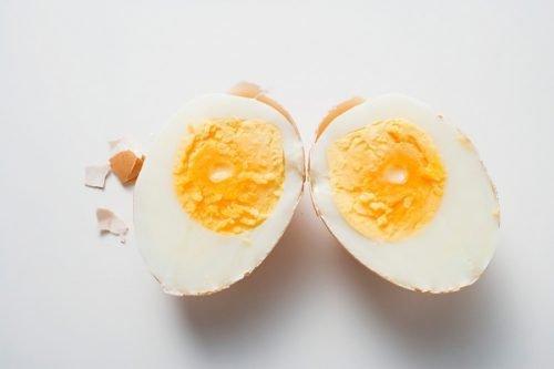 как вводить яйцо в прикорм ребенка