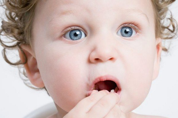 Стоматит у младенца: причины возникновения, симптомы и особенности лечения