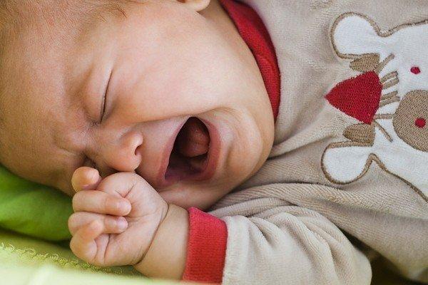 грудничок мало спит