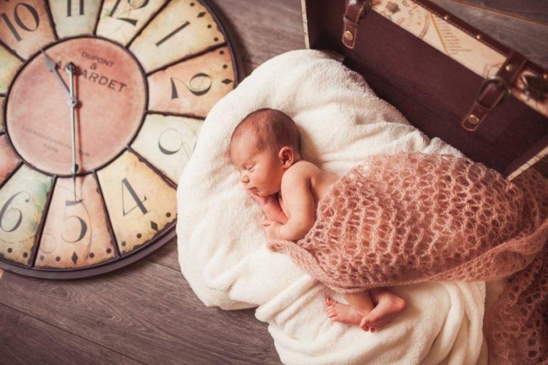Режим дня грудничка: зачем нужен и как установить?
