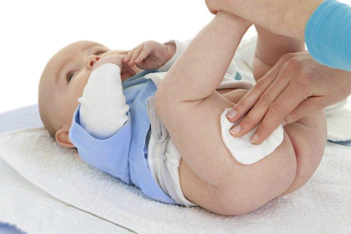 как правильно обрабатывать складки у новорожденного