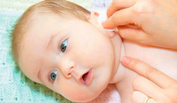 уход за складочками младенцев