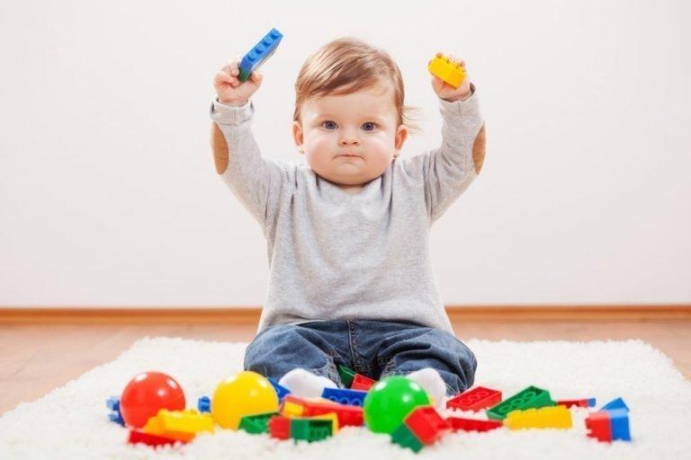 умения ребенка в 12 месяцев