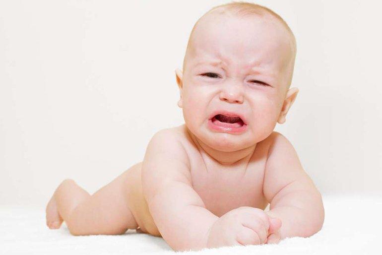 Малыш капризничает: инструкция к действию