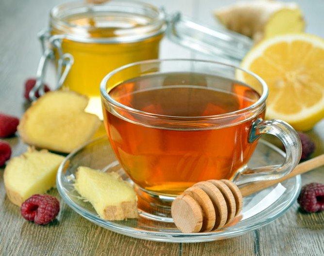 чай с медом и имбирем - лучшее лекарство при ОРВИ для кормящей мамы