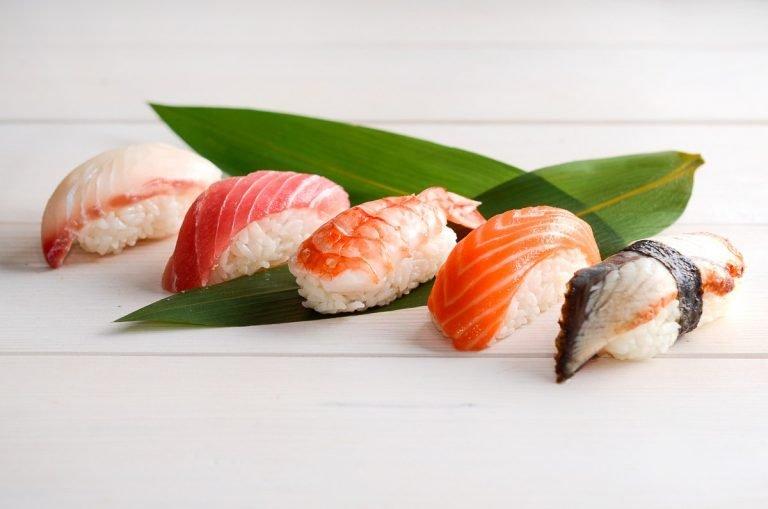 суши про грудном вскармливании - стоит ли есть
